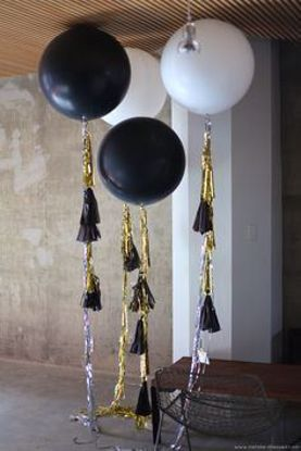 "Picture of Wedding Huge Giant Black Balloons up to 36"" Party"
