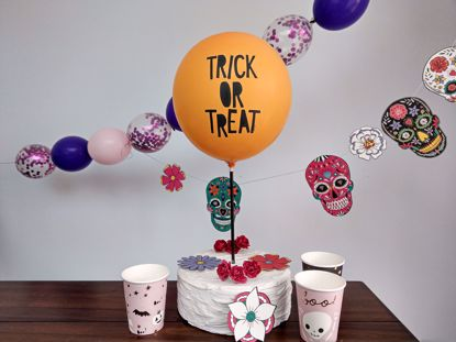 Picture of Balloon Cake Topper Halloween Trick or Treat